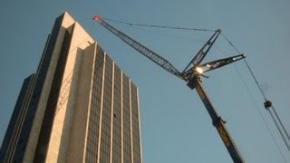 getlinkyoutube.com-GIANT CRANE LIEBHERR LTM 1800 INSTALLING AIRCONDITION SLIDESHOW