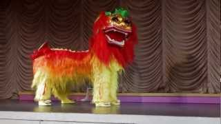 getlinkyoutube.com-Lion Dance Gangnam Style - NYCCC @ the Convent of the Sacred Heart