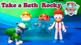 getlinkyoutube.com-PAW PATROL Nickelodeon Paw Patrol Take a Bath Rocky Paw Patrol Video Parody