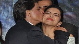 getlinkyoutube.com-Shahrukh Khan KISSES Deepika Padukone in PUBLIC | Sharabi Happy New Year SONG LAUNCH