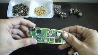getlinkyoutube.com-How to Scrap old Cell Phones for *Gold Recovery