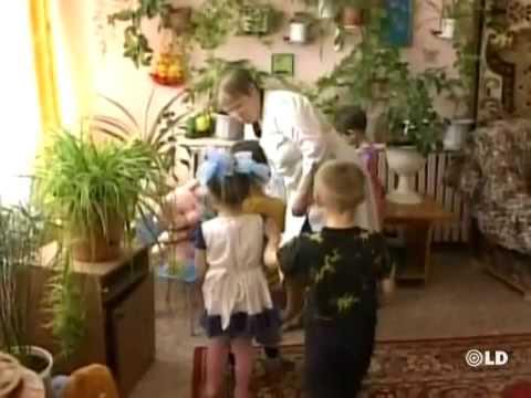 Niña Animal Rusa de 5 años 'jaula'