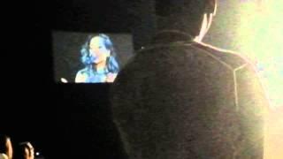 Rihanna s'éffondre en larmes lors de son concert à lille