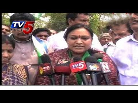 Reddy Shanthi  Files Nomination In Srikakulam