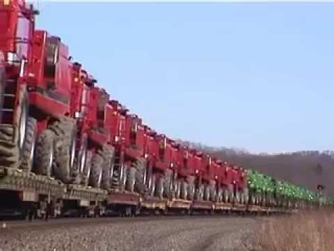 Transporte ferroviário de colheitadeiras John Deere/CaseNH nos EUA - Bailey - Pennsylvania - 2007