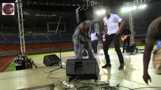 getlinkyoutube.com-Solly Mahlangu - Pokea Sifa/Mwamba Mwamba...