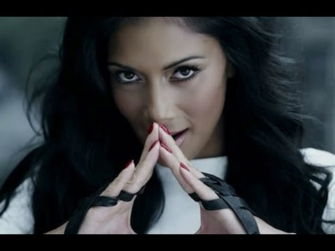 NICOLE SCHERZINGER Pussycat Doll: 