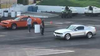 getlinkyoutube.com-2012 Ford Mustang GT vs 2012 Dodge Challenger RT
