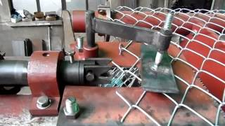 getlinkyoutube.com-Fully automatic Chain Link Fence Making Machine Red surface treatment