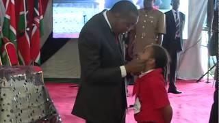 getlinkyoutube.com-H.E Uhuru Kenyatta dances at Kenya Red Cross Society's 50th Anniversary.