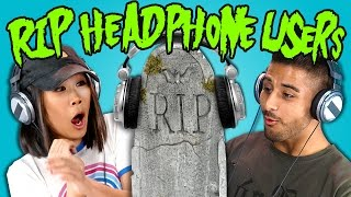 getlinkyoutube.com-Teens React to RIP Headphone Users Compilation