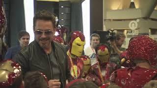 getlinkyoutube.com-Robert Downey Jr. Crashes a Kid's Iron Man Costume Contest at Comic-Con 2012