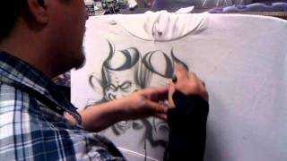 getlinkyoutube.com-Chicano art smile now cry later drama masks  how to airbrush Tshirts script lettering all by Jaime R