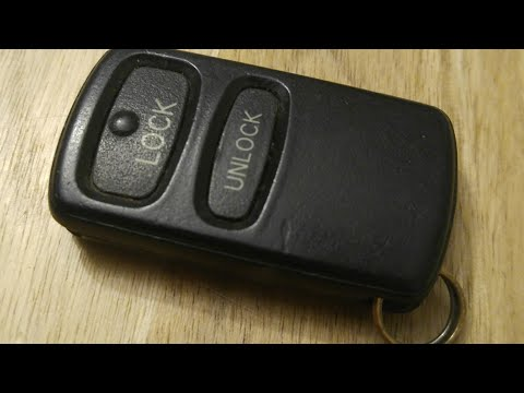 Mitsubishi Lance/Outlander Key Fob Battery Replacement