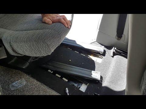 How to remove the seats in a Mitsubishi Delica L400