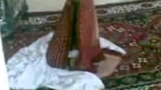 getlinkyoutube.com-معجزه نماز خواندن سجاده دختر اردبیلی