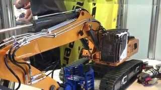 AMAZING RC SCALE FAIR COURSE Faszination Modellbau Friedrichshafen 2014 (Bagger, Lkw, Panzer, Zug)HD