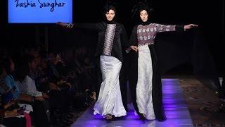 getlinkyoutube.com-Zaskia Sungkar Fashion Show at Couture Fashion Week New York