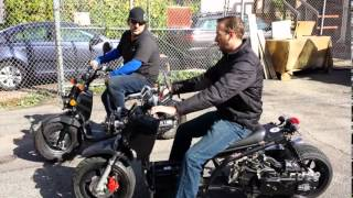 getlinkyoutube.com-Honda Ruckus vs Maddog gy6 Ruckus replica 49cc race