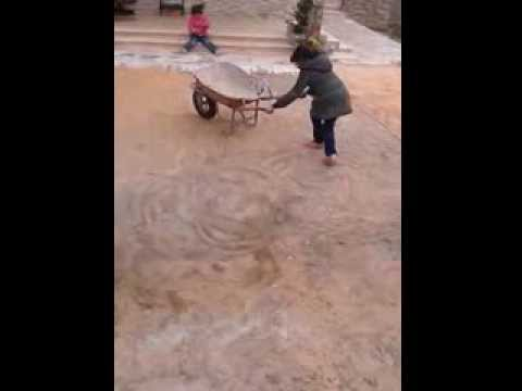تسطريب (تمتيع) (Drifting) بالبرويطة ، هههههههههههه . wheelbarrow Drifting