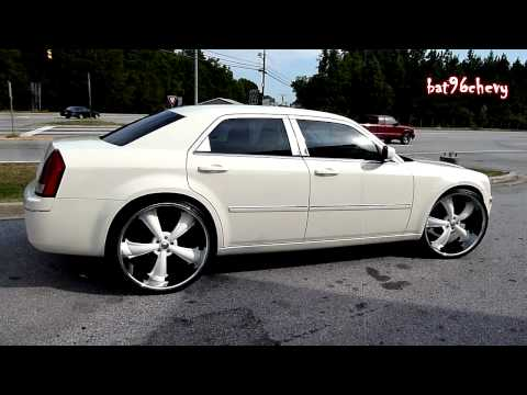 Cream White Chrysler 300C on 26&quot; Dcenti Rims [HomeTeam] - HD