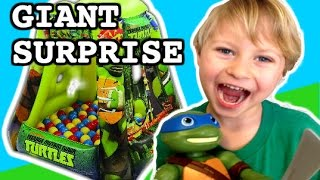 getlinkyoutube.com-GIANT SURPRISE! Teenage Mutant Ninja Turtle Surprise + Power Rangers + Star Wars + LEGO Mini Figs