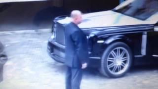 getlinkyoutube.com-【海外マフィア】ロシアのマフィアのボス一行!超高級ロールスロイス Russian Mafia
