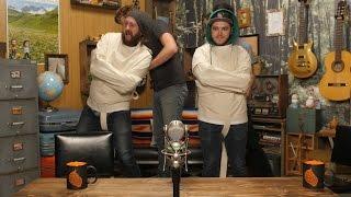 getlinkyoutube.com-Straitjacket Escape Challenge