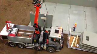 getlinkyoutube.com-Amazing RC Truck Building a house with rc truck ScaleArt MAN Palfinger crane