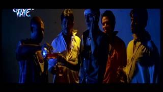 getlinkyoutube.com-Monalisa Kissing | मोनालिसा किसिंग | Hot Uncut Scene - Hot Scene From Movie | Maine Pyar Kiya