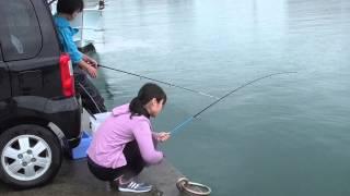 getlinkyoutube.com-雨の日のダブル釣りガール