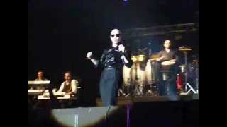 Pitbull - Back In Time + Barbra Streisand LIVE in Prague