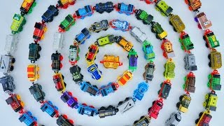THOMAS MINIS 500+ GIANT CONNECTED TRAIN TANK ENGINES RAILWAY COLLECTION TOYS