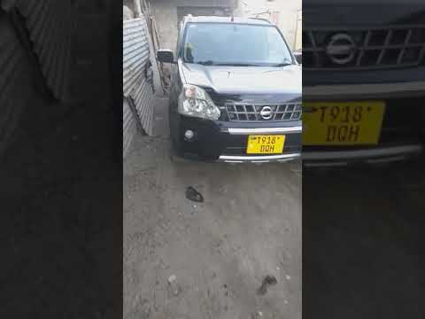 How to open fuel cap on nissan xtrail t31