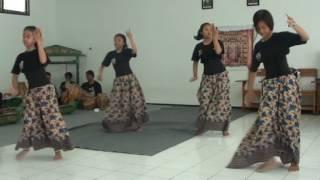 Jaipong Mojang Priangan SMK PASA (Pangeran Aria Soeria Atmadja) SUMEDANG width=