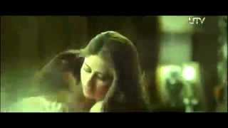 Hot and Sexy Kareena Kapoor 1st On Screen Hot Sex Scene With Arjun In Heroine