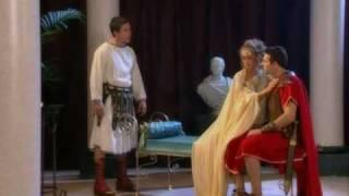 getlinkyoutube.com-Escenas Cleopatra.avi