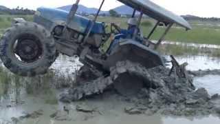 getlinkyoutube.com-Tractor Track Wheelie