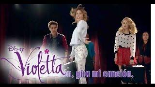 "getlinkyoutube.com-VIOLETTA Stars mit ""En Gira"" - Der Hit aus Staffel 3 | Disney Channel Songs"