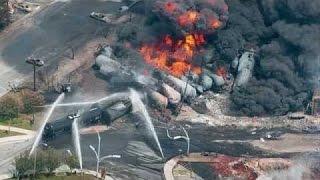 getlinkyoutube.com-50 Video Tragedi Detik-Detik Kecelakaan Kereta di Dunia yang terekam CCTV