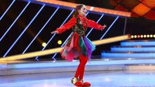 getlinkyoutube.com-Daria Zamfir, fetița-clovn, i-a uimit pe toți cu mișcările ei