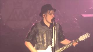 getlinkyoutube.com-Fall Out Boy- Patrick Stump's Amazing Vocal Moments!