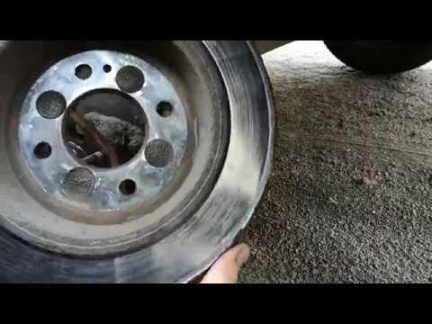 Замена задних тормозных колодок Киа Рио III (проточка тормозных дисков)