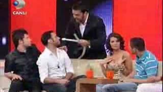 getlinkyoutube.com-emreaydın,Sabri Sarıoğlu,Arda Turan-Beyaz Show - Helyum Gazı