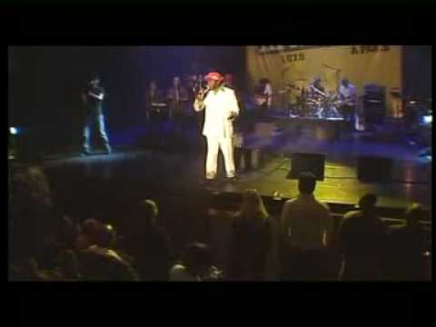 Papa Wemba Show me the way -_IwtiDzeuLI