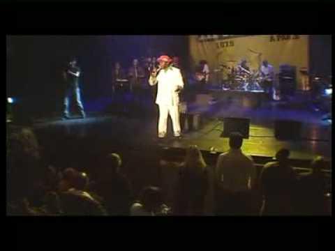 Papa Wemba Show me the way -_IwtiDzeuLI