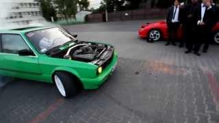 getlinkyoutube.com-Kermit - e30 - Wedding Drift