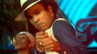 getlinkyoutube.com-Boney M    Ma Baker Live @ TOTP 1977 #2