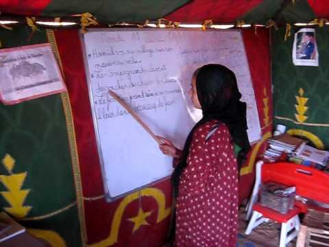 éducation de la fille nomade, Chegaga, désert, Maroc