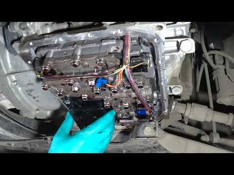 Toyota Voxy ZRR80 - Замена масла в CVT (вариаторе) K114 / Toyota Voxy ZRR80 - CVT K114 Oil Change